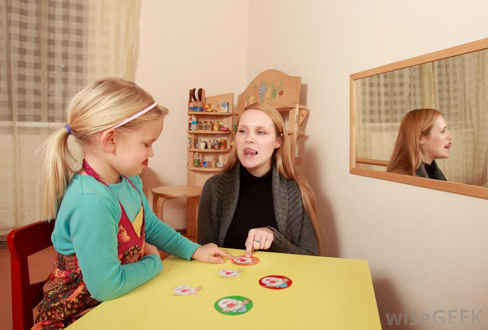 woman-and-child-in-speech-therapy